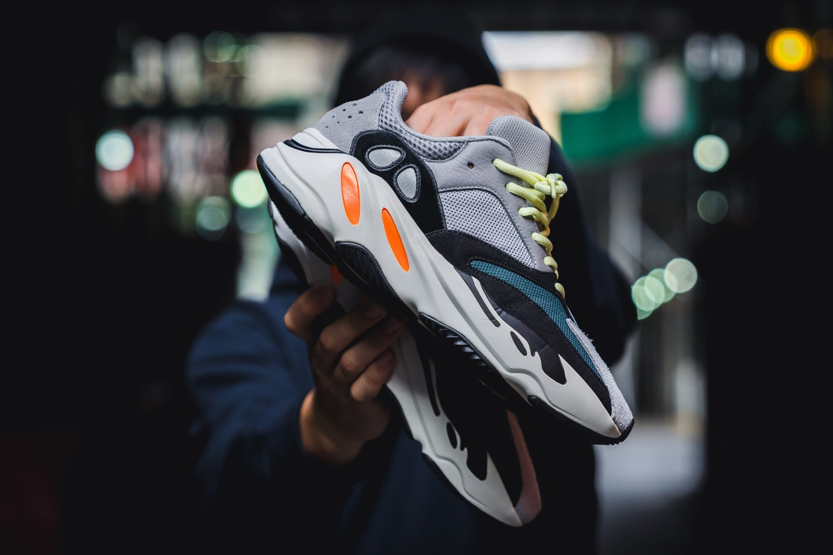 YEEZY BOOST 700 Wave Runner 推迟全球上架日期